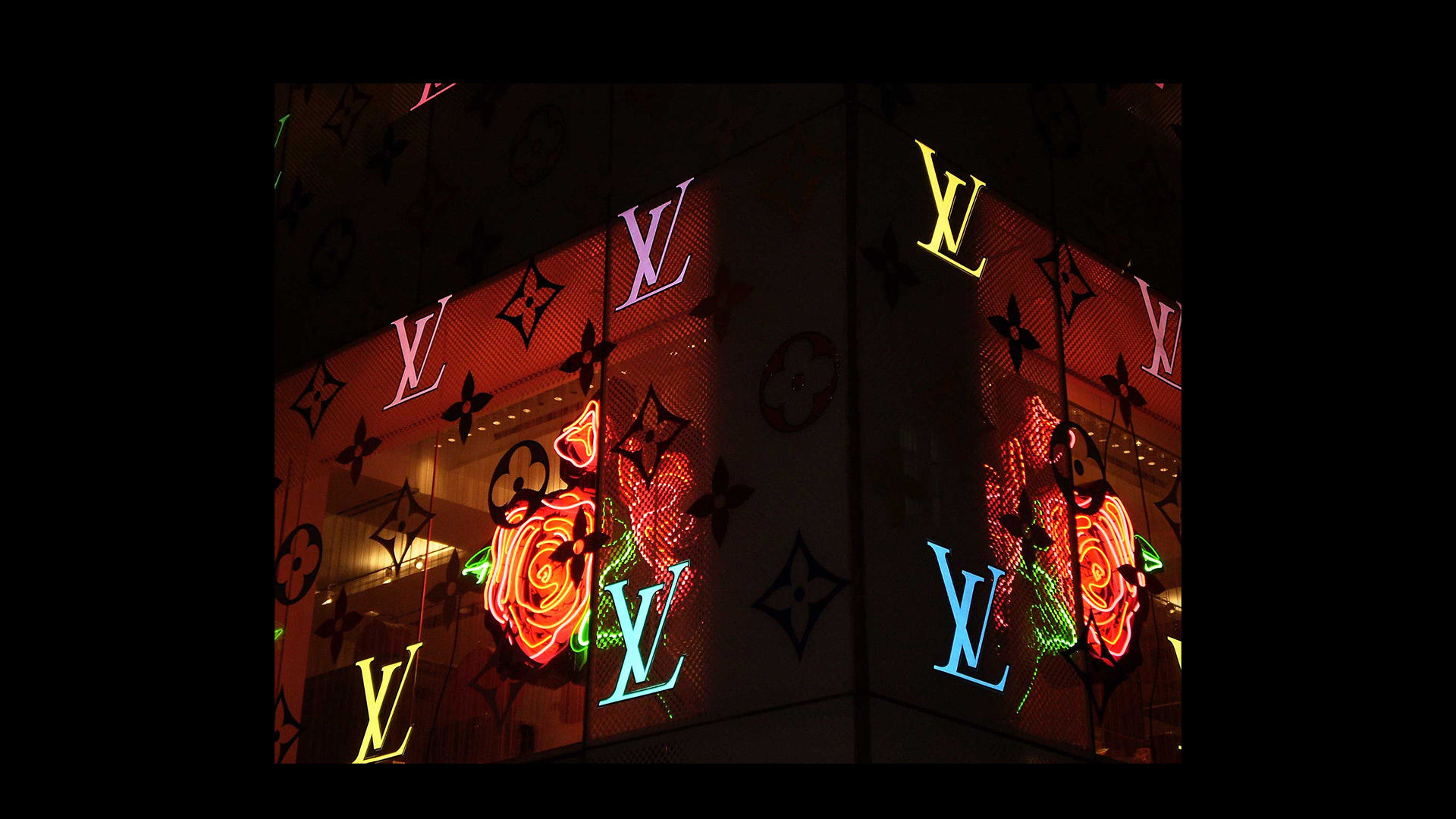 Louis Vuitton Roses